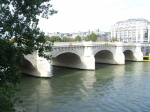 心と心をつなぐ架け橋